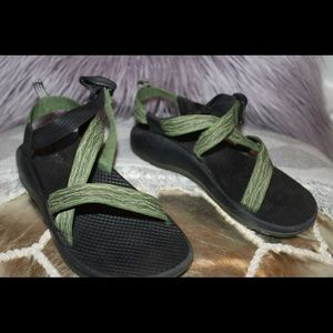 Green Chaco's Size 5 in boys